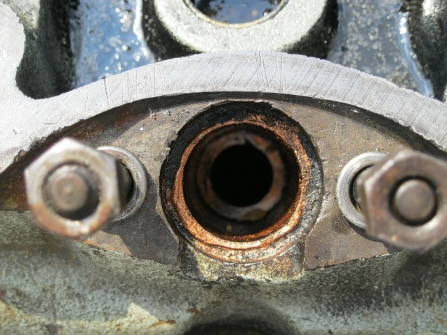 Petite devinette: qu'est-ce qui pourrait bien faire fumer un moteur diesel de lightweight... Img_0111