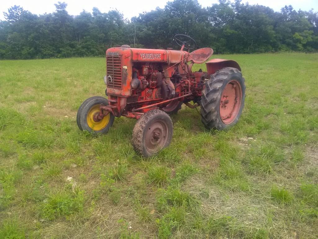 TRACTEUR - (vendu) tracteur Vendeuvre Img_2090