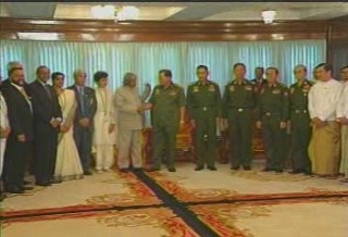 President of the Republic of India Visited  Myanmar in 2006 1112