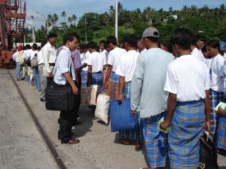 Myanmar Fishermen Went Back Home! 413