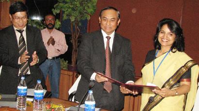 Myanmar Donates Syringes Worth Rs 38 Crore to Orissa. 928810