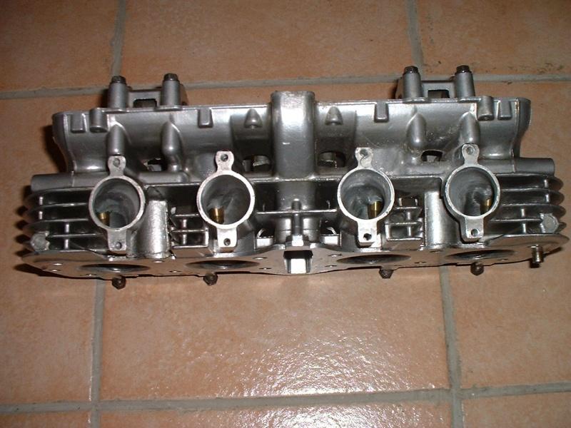 Culasse usine GS1000 Dscf0610