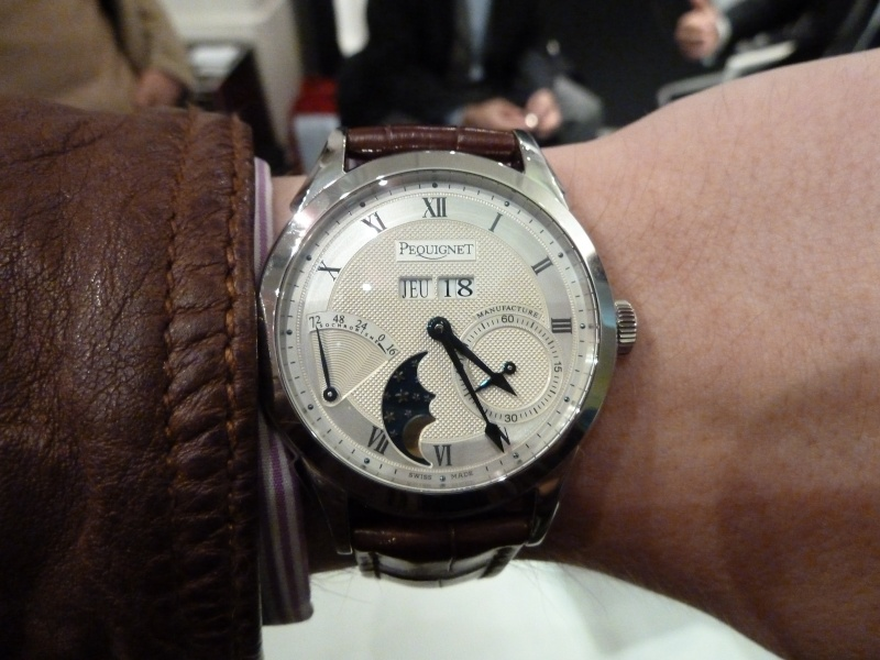 Salon les Montres > PEQUIGNET Calibre Royal P1010555