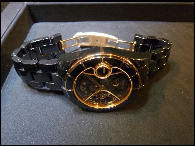 [Belles Montres 2010] Chanel J12 RM Tourbillon P1020113