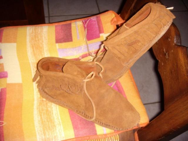 Parce que les filles, ça aime les poupées et les chaussures - Page 3 Dscn6423