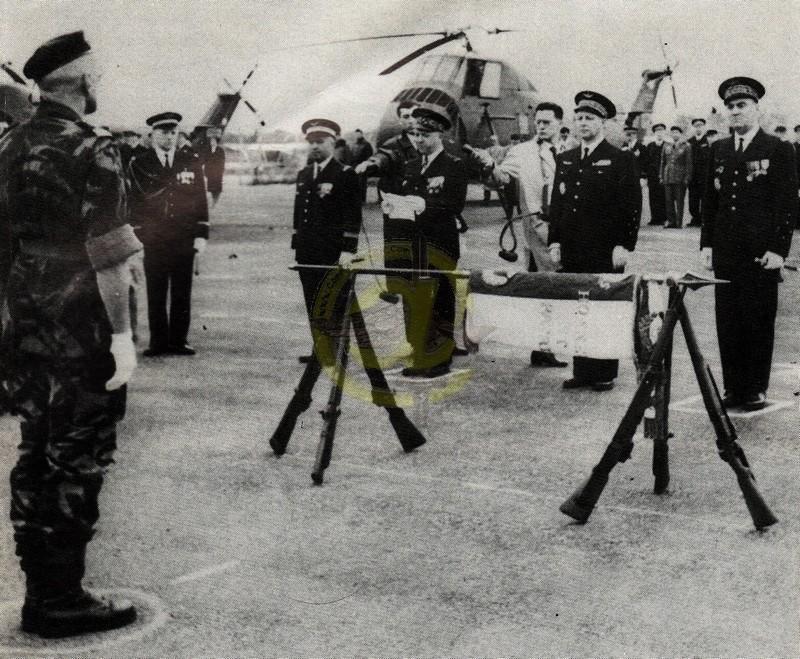 Drapeau des Commandos Parachutistes de l'Air Drapea13