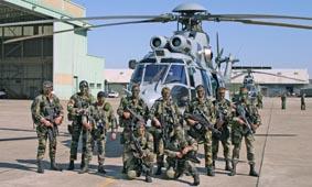 hélicoptere caracal en afganistan Ec725_11