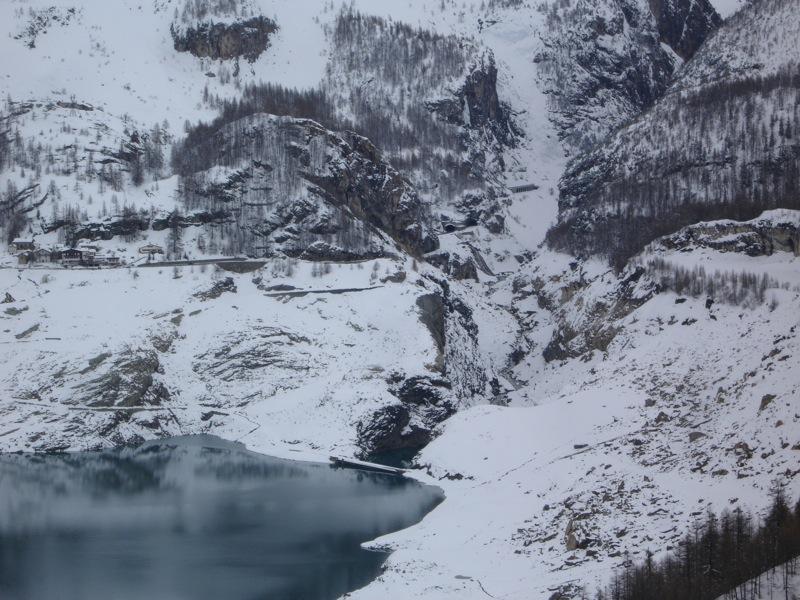 [Tignes] Le barrage de Tignes et les aménagements liés - Page 4 Dsc04824