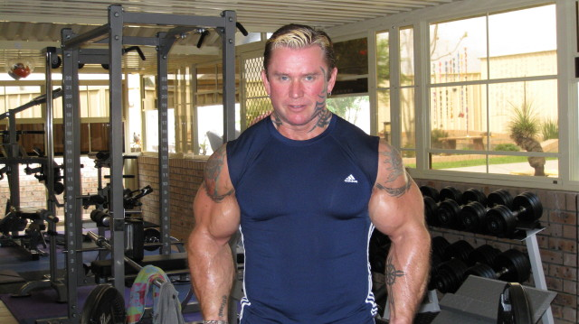 biceps - Le biceps de Lee Priest (Opération effectuée avec succès !) Leecur12