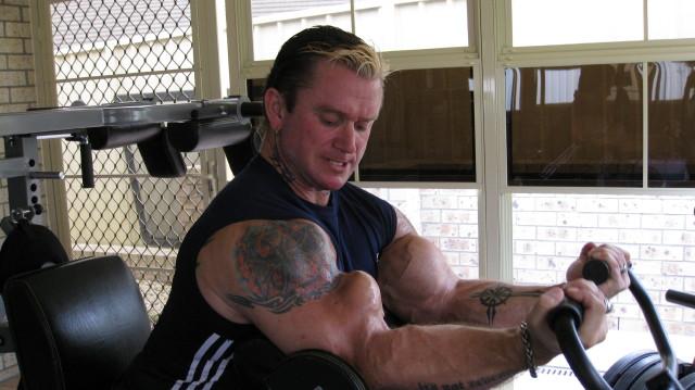 biceps - Le biceps de Lee Priest (Opération effectuée avec succès !) Leecur14