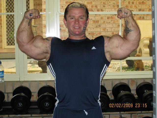 biceps - Le biceps de Lee Priest (Opération effectuée avec succès !) Leepos10