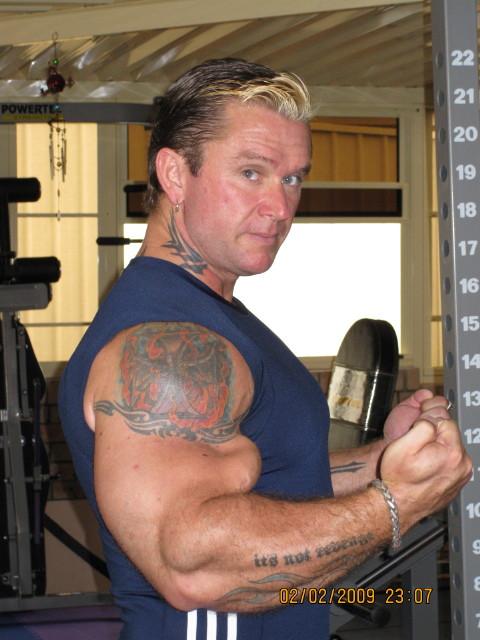 biceps - Le biceps de Lee Priest (Opération effectuée avec succès !) Leepos11