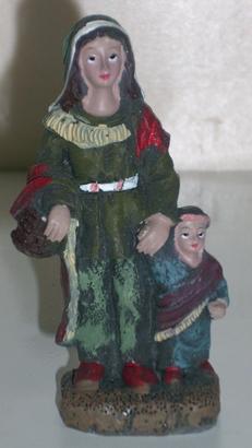 Modificación figurita 2 - Mujer y niño I Mh_0110