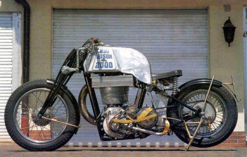 No limit à l'imagination pour les motos, Humour of course! - Page 3 Moto_m11