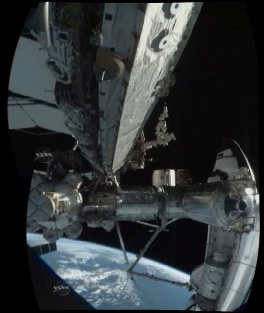 [STS-130] Endeavour : fil dédié au suivi de la mission. - Page 4 Sans_t17