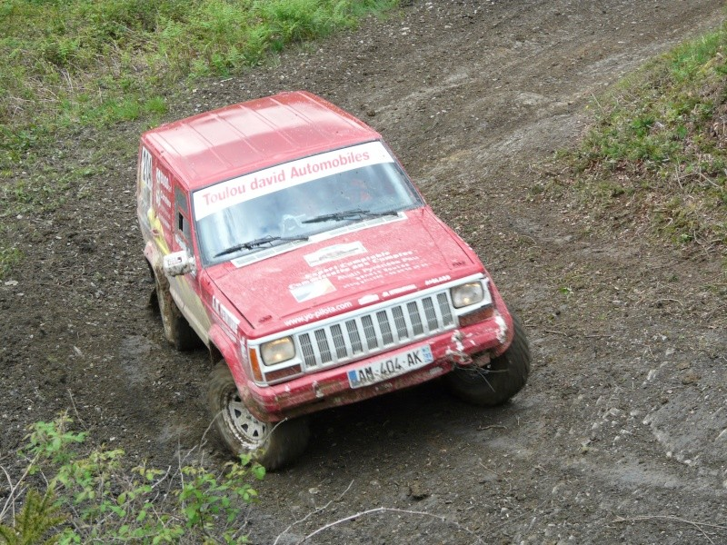 recherche photo video cherokee rouge 204 P1100412