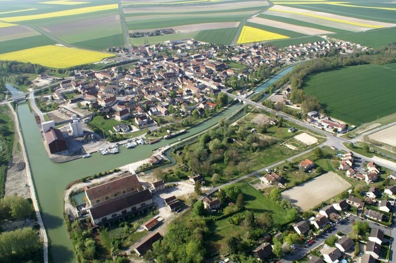 CONDE-sur-MARNE 10311110