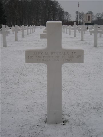 Muck and Penkala grave markers / Luxembourg Post-611