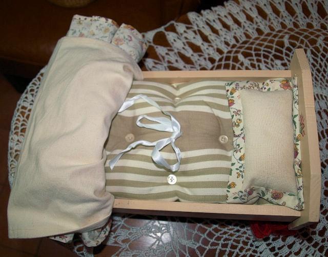 Restauration de petits meubles de Poupées des années 1950 en Bois 0412