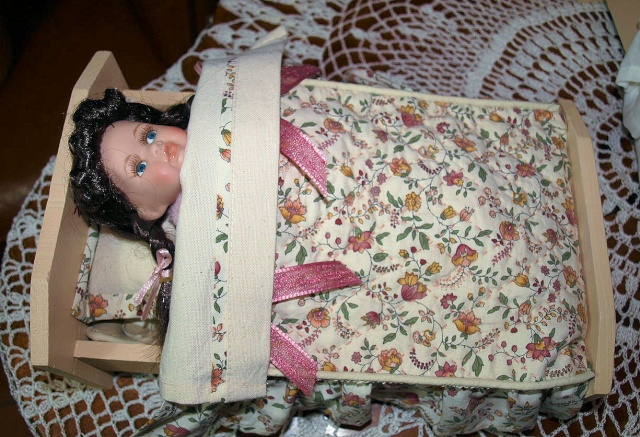 Restauration de petits meubles de Poupées des années 1950 en Bois 0612