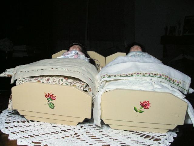 Restauration de petits meubles de Poupées des années 1950 en Bois 0910