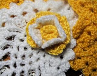 """Crochtalong du site """" UN FIL AU DOIGT"""" Fleur_11"""
