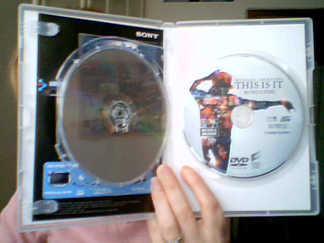 This is It DVD e blu-ray DVD collector's edition-in vendita dal 23 Febbraio 2010-012