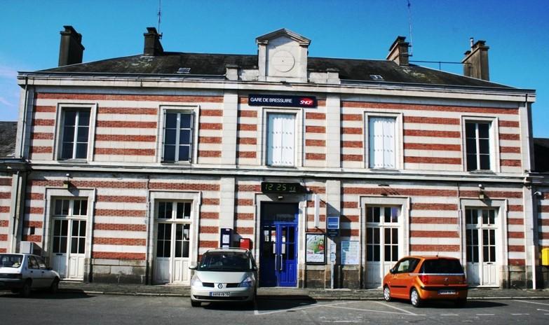 Bressuire - Chantonnay voie ferrée fermée temporairement Bressu10