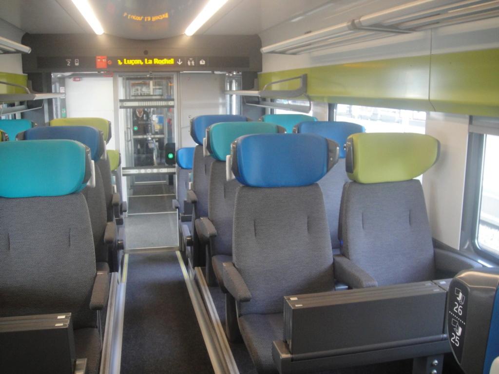 intercités 3833 Nantes 11h25 - Bordeaux 16h24 en Coradia Liner Dsc01319