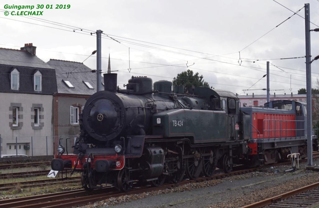 Carhaix. La machine à vapeur BB 141 TB 424  est à la CFTA Guinga13