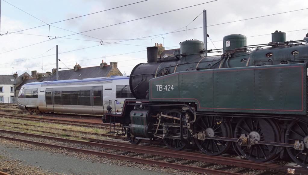 Carhaix. La machine à vapeur BB 141 TB 424  est à la CFTA Guinga14
