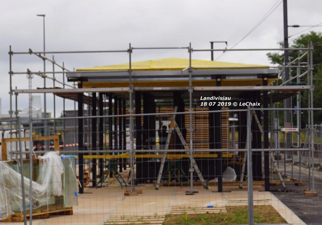 Landivisiau nouvel abri voyageurs en construction Landi_33
