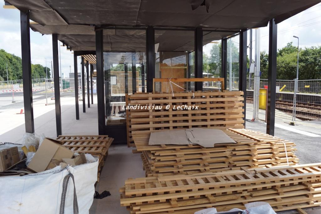 Landivisiau nouvel abri voyageurs en construction Landi_37