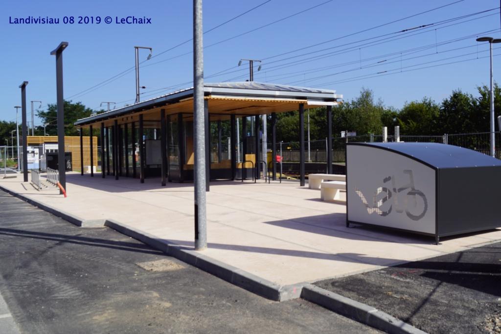 Landivisiau nouvel abri voyageurs en construction Landi_41