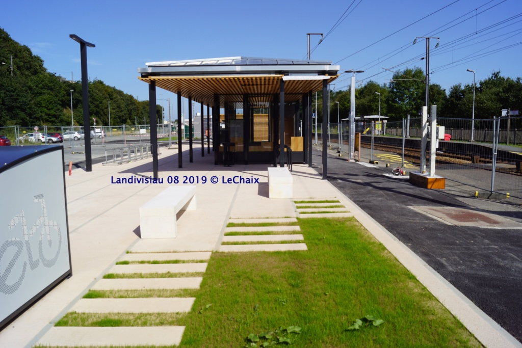 Landivisiau nouvel abri voyageurs en construction Landi_42