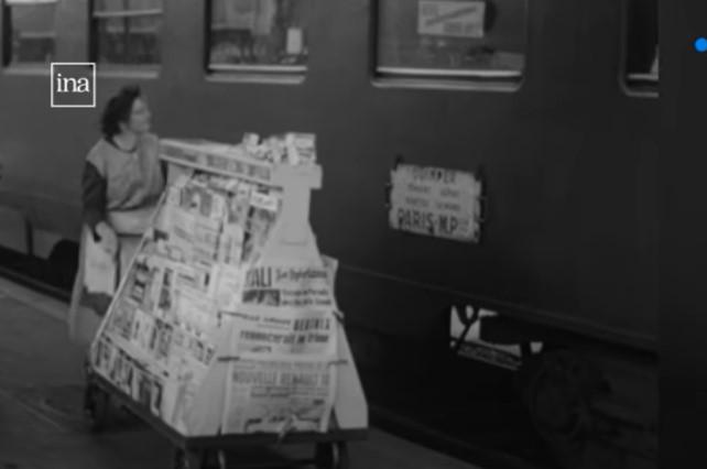 Le Mans juillet 1965 vendeuse ambulante de journaux sur le quai Le_man11