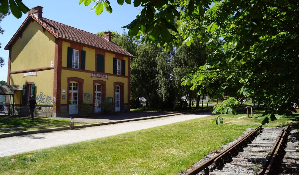 Ligne de Dinan (22) à Dinard (35) Plesli11