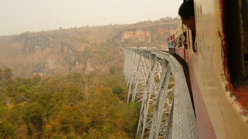 Le train en Asie du sud-est  P1010519