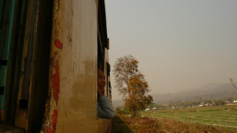 Le train en Asie du sud-est  P1010613