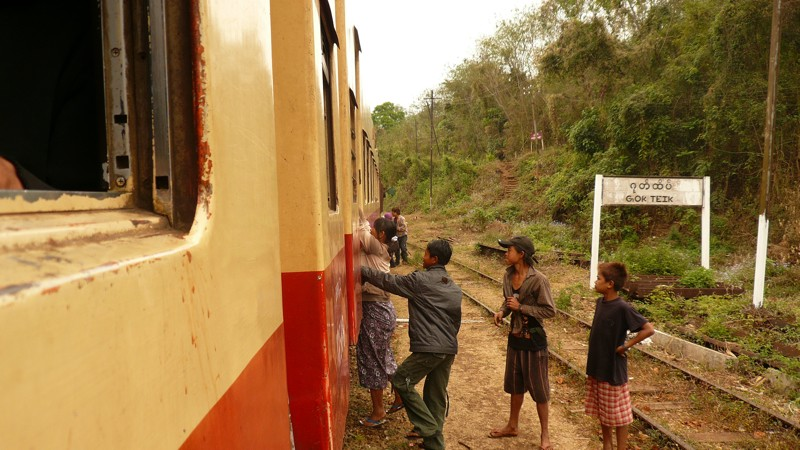 Le train en Asie du sud-est  P1010715