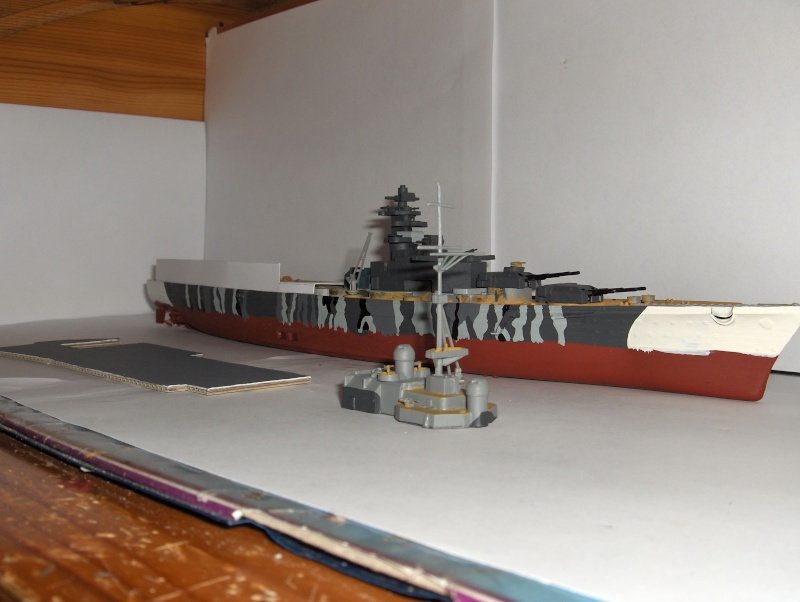Conversion Tirpitz 1/570 en porte-hélico fictif - Page 2 Hpim0619