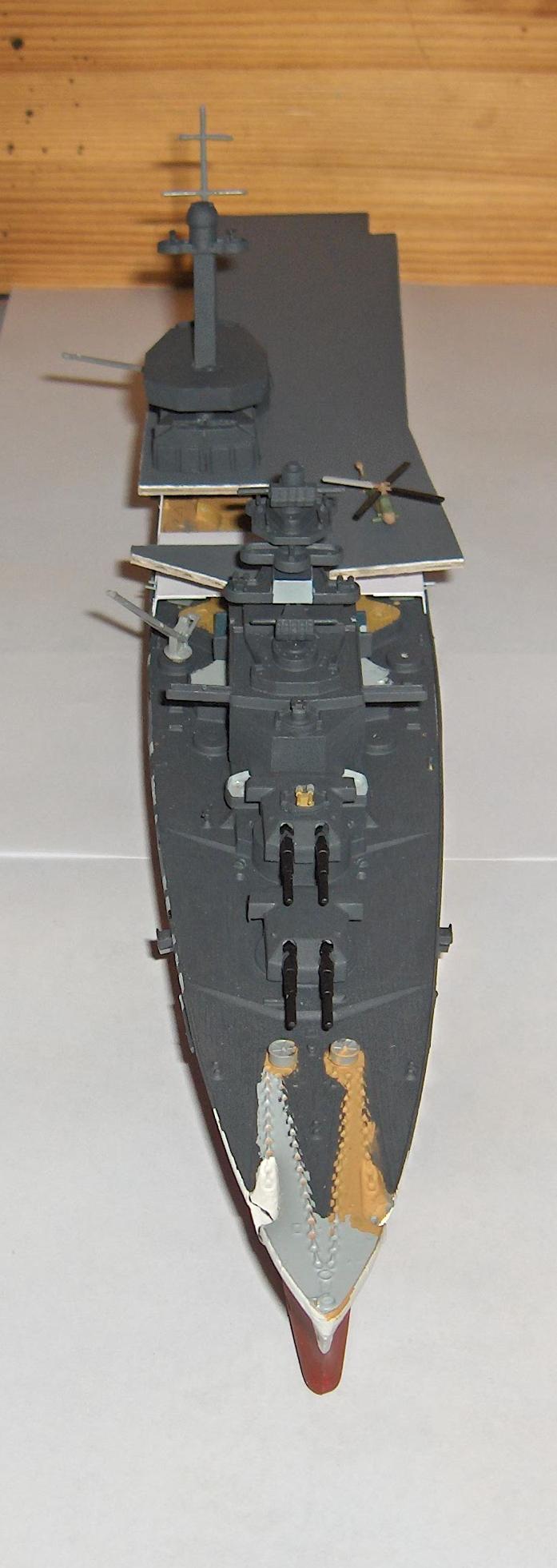 Conversion Tirpitz 1/570 en porte-hélico fictif - Page 2 Hpim0627