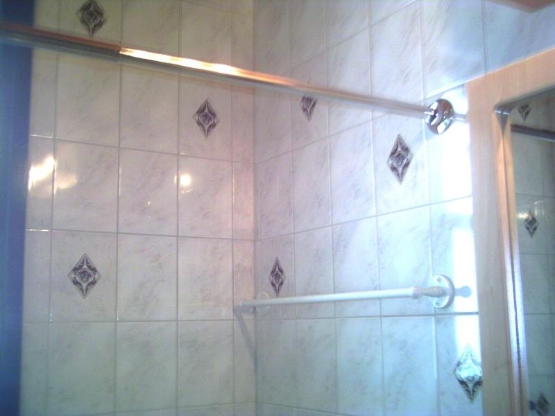 Travail dans la salle de bain de mon frère Pict0010
