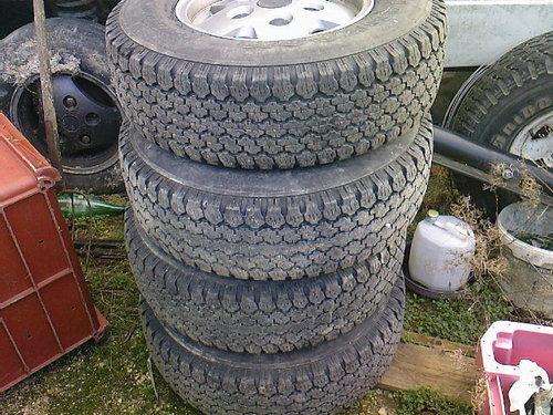 [Délire] Les pneus de la maison Roue_r12