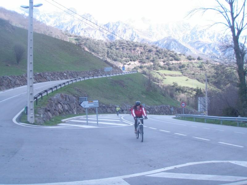 Bajo los Picos (31-3-10) P3310019