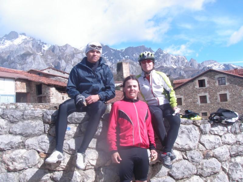 Bajo los Picos (31-3-10) P3310023