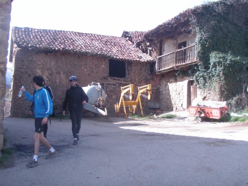 Bajo los Picos (31-3-10) P3310027