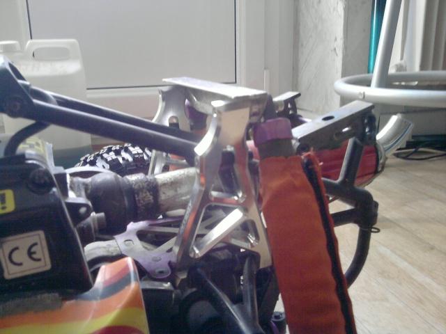 casse Support de tour d'amortisseurs arrière P0706110