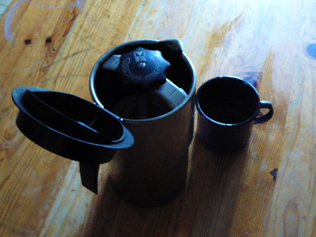 comment faite vous pour faire un bon cafés  au bord de l'eau !!!!!!! P1010511