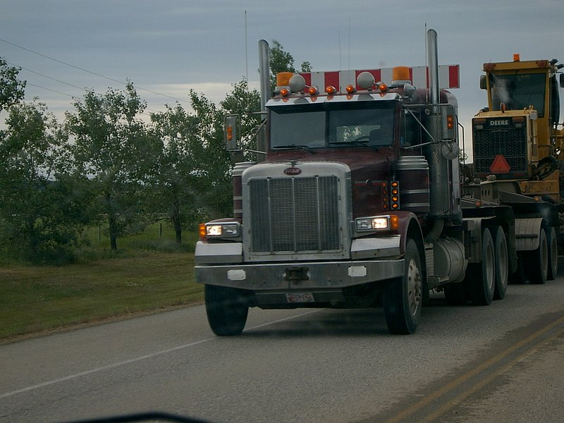 Canadian Trucking 07150910